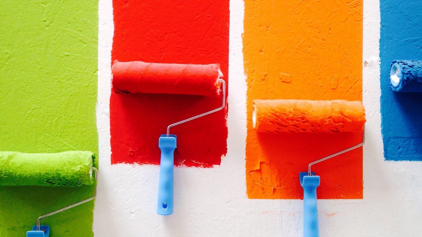 Bandes de peinture peintes en couleur