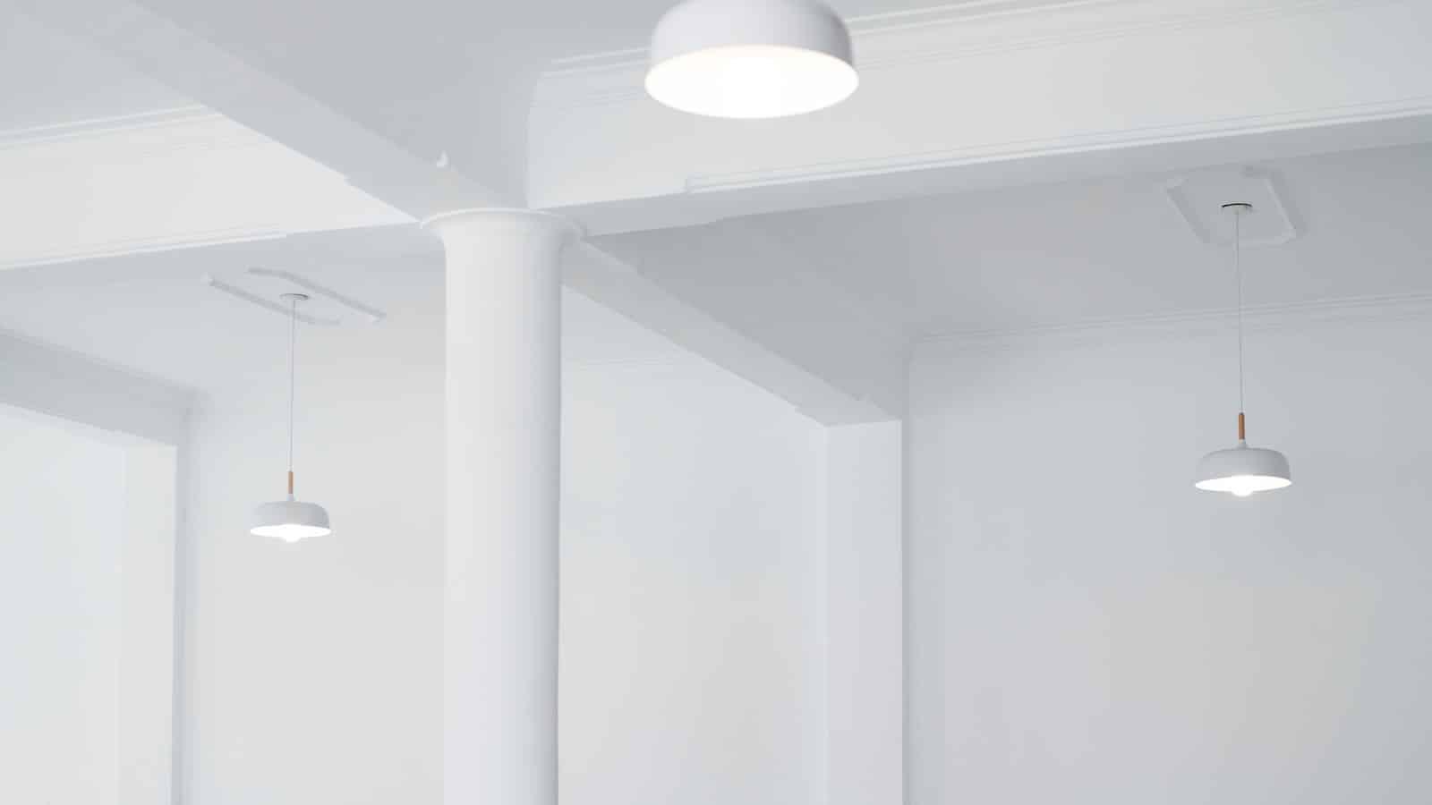 Plafond repeint en blanc